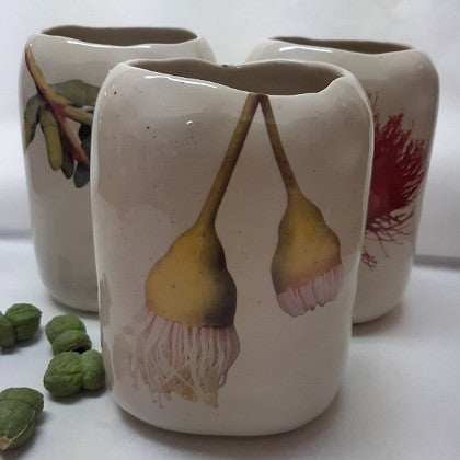 ANGUS AND CELESTE PEBBLE VASE HANGING YELLOW GUM