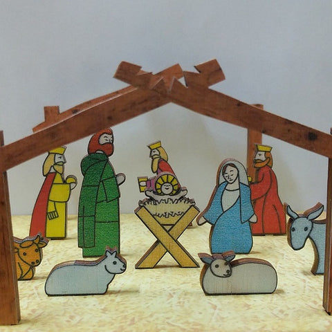 VERTICAL NATIVITY SCENE