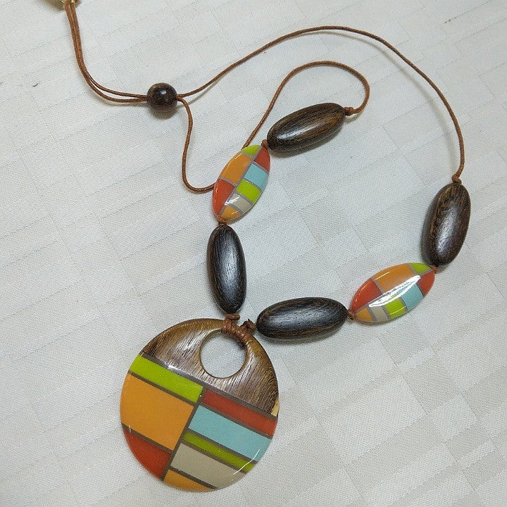 NECKLACE LEATHER WITH COLOURFUL WOODEN BEADS