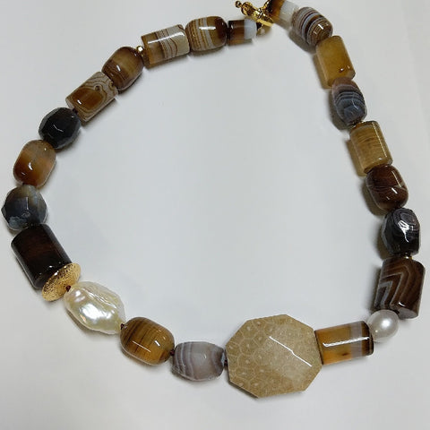 MOKO NECKLACE MADAGASCAN AGATE CRYSANTHEMUM STONE PEARLS