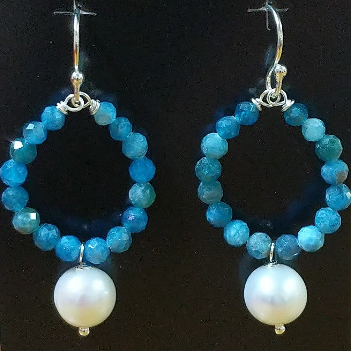 MOKO EARRINGS APATITE FRESHWATER PEARL