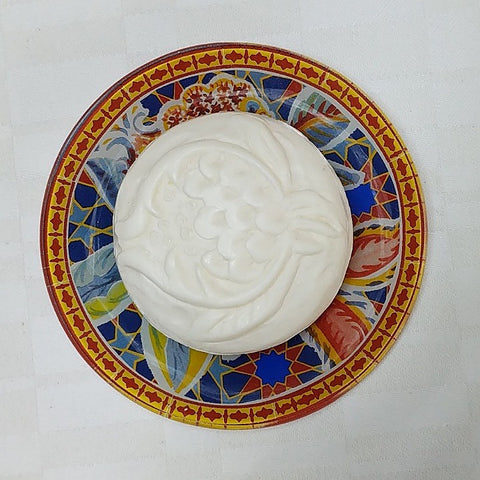 GARDEN SCENTED SOAP ON PAINTED GLASS DISH