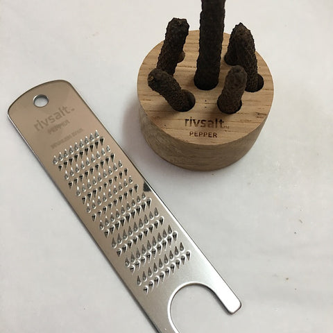 PEPPER WITH GRATER