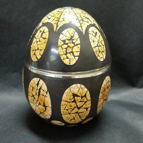 SCENTED CANDLE IN OSTRICH EGG SHELL DECORATED JAR