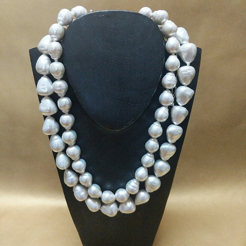 MOKO NECKLACE DOUBLE STRAND PEARLS