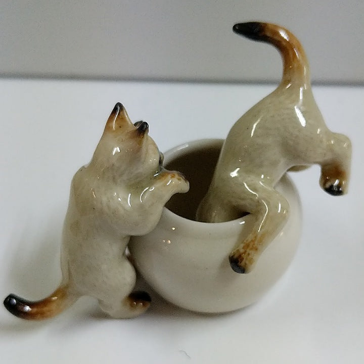 PORCELAIN TRINKET CATS WITH JAR