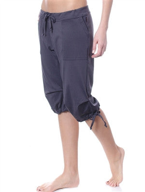 Drawstring Cargo Bermudas in Solid