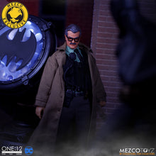 COMMISSIONER JAMES GORDON AND BAT SIGNAL - MDX Exclusive - ONE:12 Collective - MEZCO
