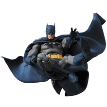 "BATMAN - ""HUSH"" - No.105 MAFEX - Medicom Toy"