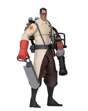 RED MEDIC - Team Fortress 2 – 7″ Scale Action Figure – Series 4 RED - NECA