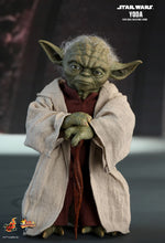 **PRE-ORDER** - YODA - Episode II - Star Wars - 1/6th Scale figure - Hot Toys