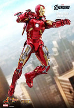 **PRE-ORDER** - IRON MAN - MARK VII - Avengers - 1/6th Scale figure - Hot Toys