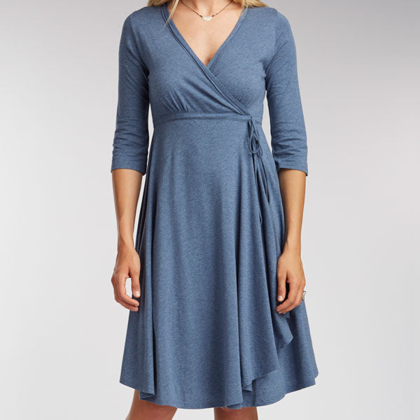 Womens Summer Wrap Dress in blue | Sustainable Fashion to pack for vacation