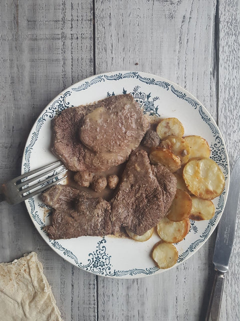 Sharhat Mtaffayeh - Lamb steak sauteed with lemon and garlic