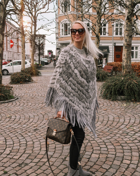 Poncho With Fringes Light Grey
