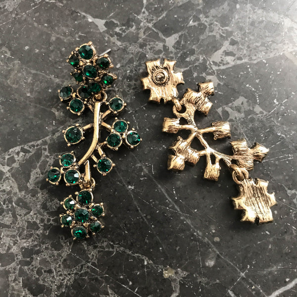 Green vintage earring