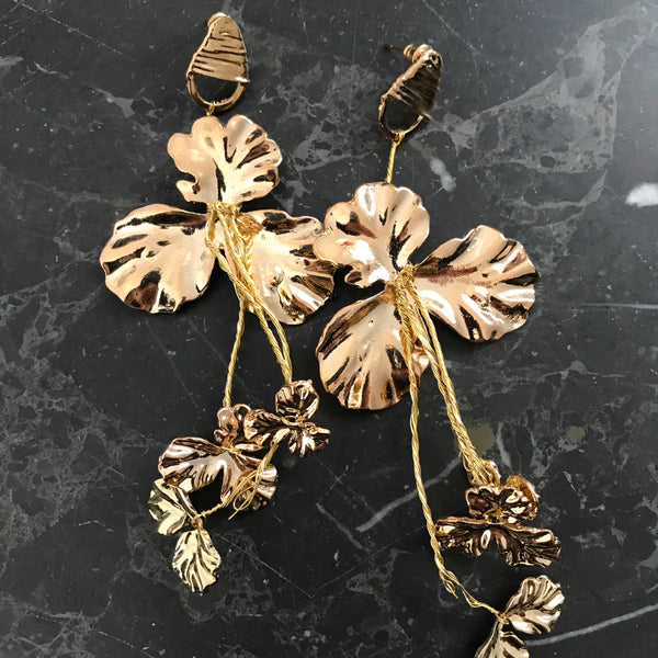 Earrings with flowers gold plaited