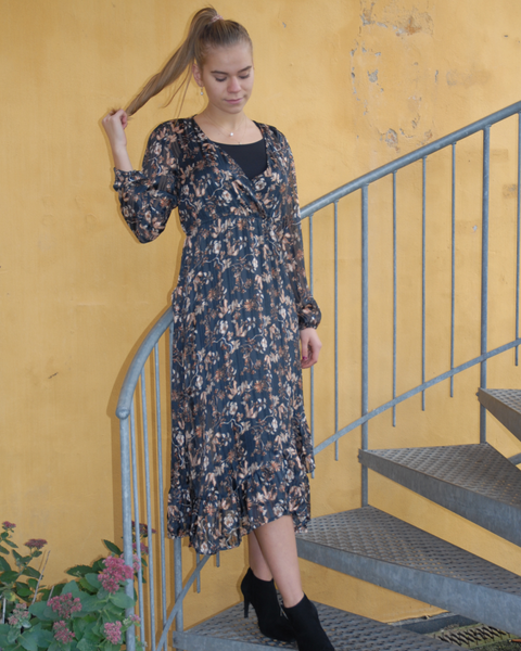 Nila Wrap Dress