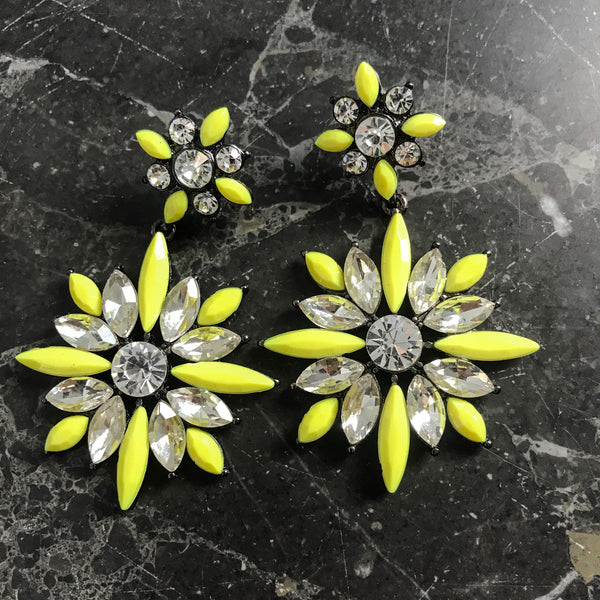 Yellow flower earring with zirconia