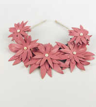 Daisies on a Chain | FREE SHIPPING