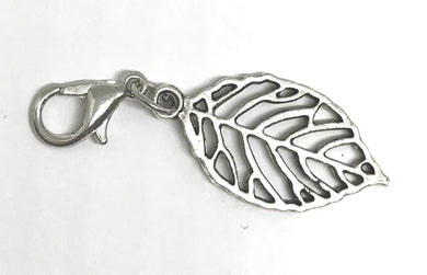 Leaf dangle charm
