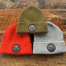 Load image into Gallery viewer, Circle Logo Knit Beanie