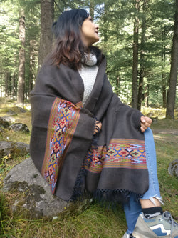 Handmade Woolen Shawl in Yak Wool - Tribal Pattern