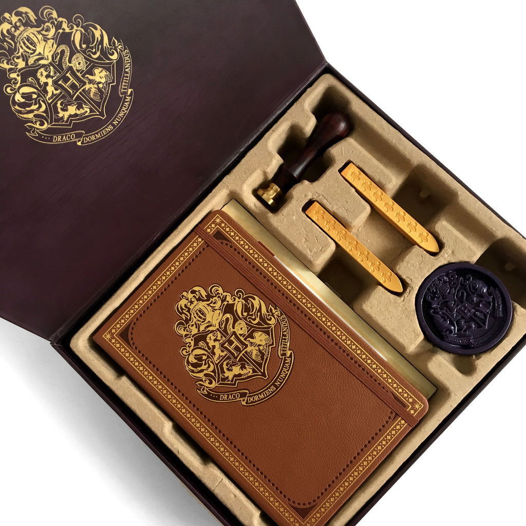 Hogwarts Deluxe Stationery Set