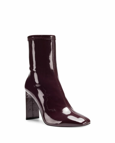 Vince Camuto DEVERNA ELDERBERRY/NEW PU STRETCH PAT