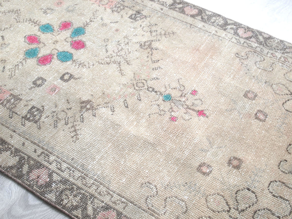 Vintage Turkish Rug. Carpet Runner. Hallway rug.  Buy Online.