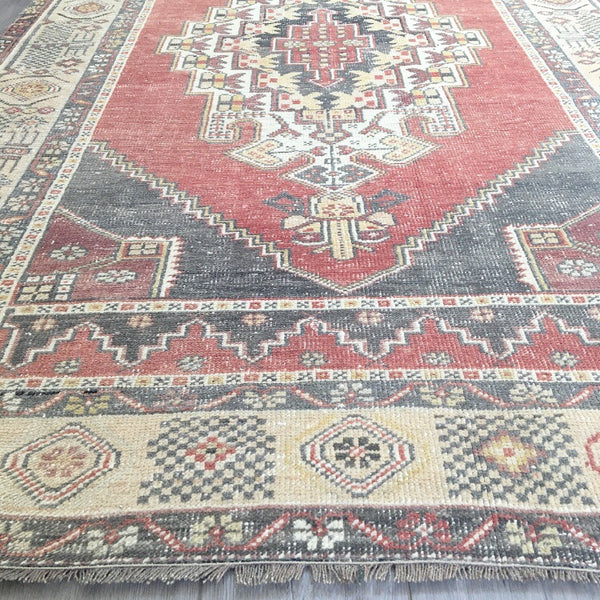 "Vintage Turkish Rug - 9'8"" x 4'4"""