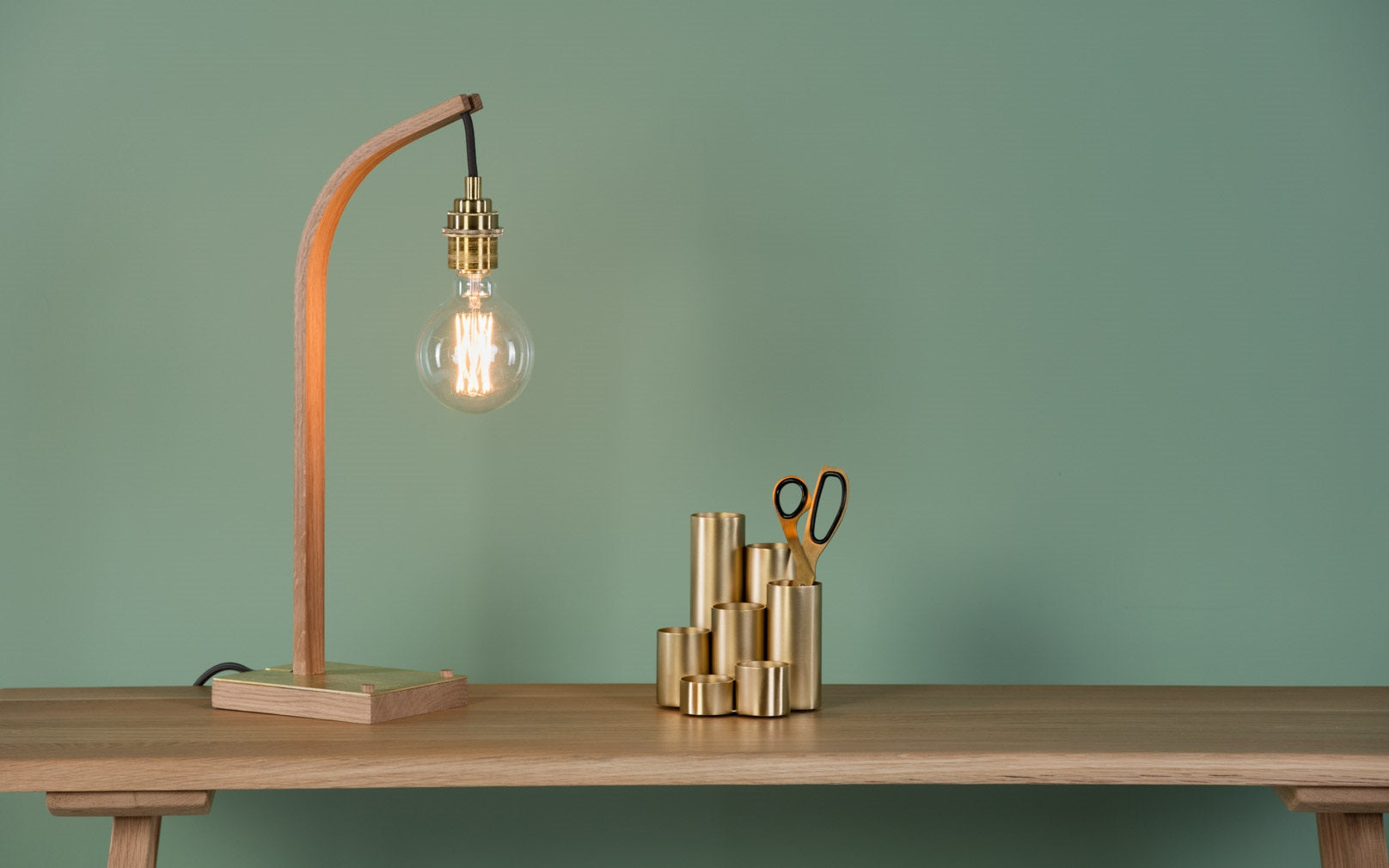 Wheal Table Light And Crib Console Table