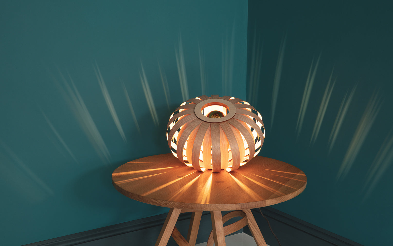 Urchin Table Light with LED bulb