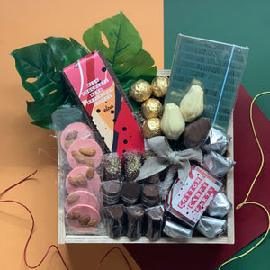 The BE HAPPY Chocolate Hamper
