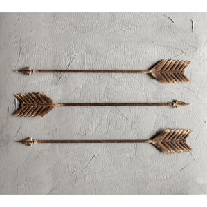 Distressed Metal Arrow Decor