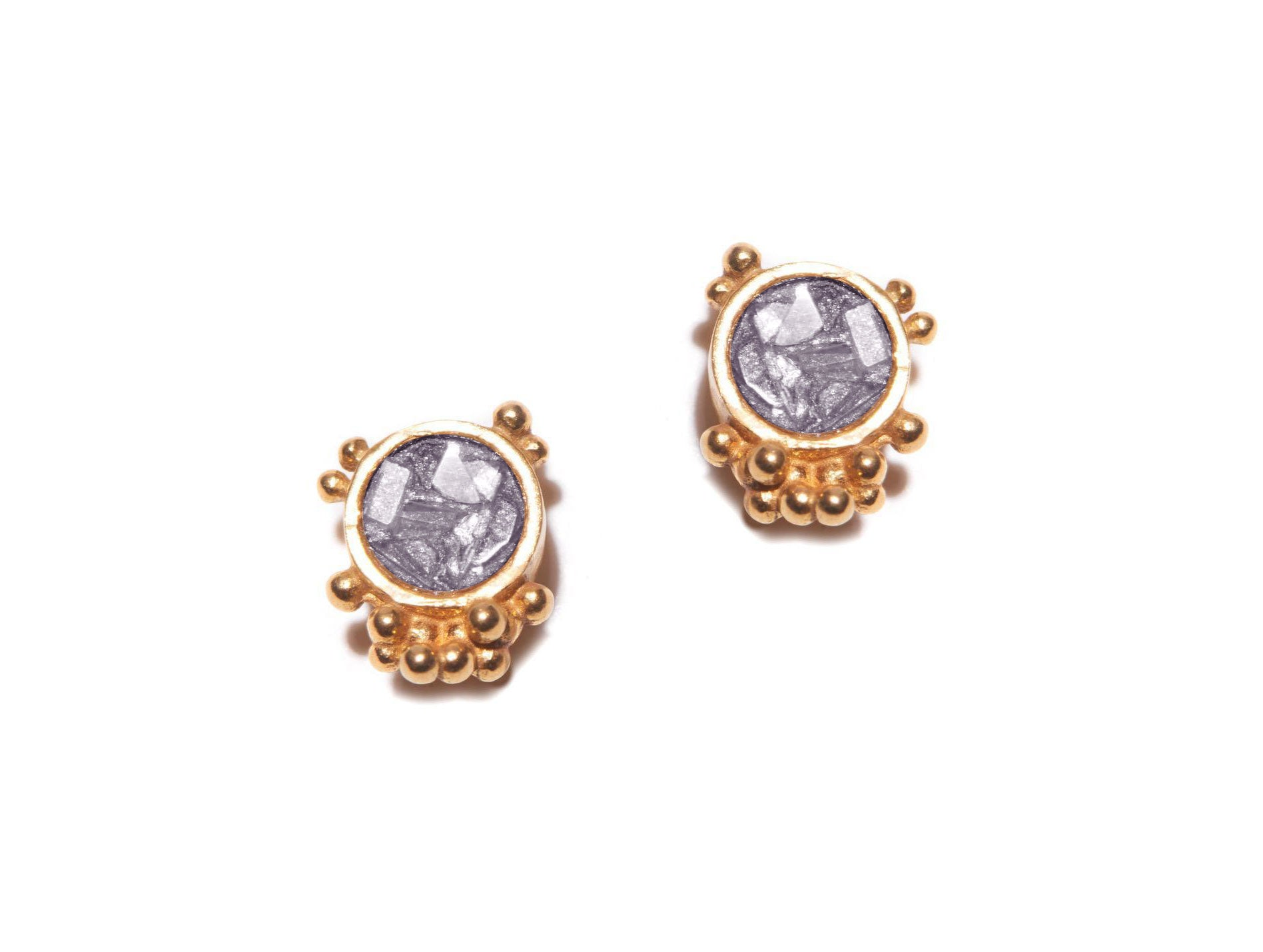 gold round diamond studs with gold bulbs