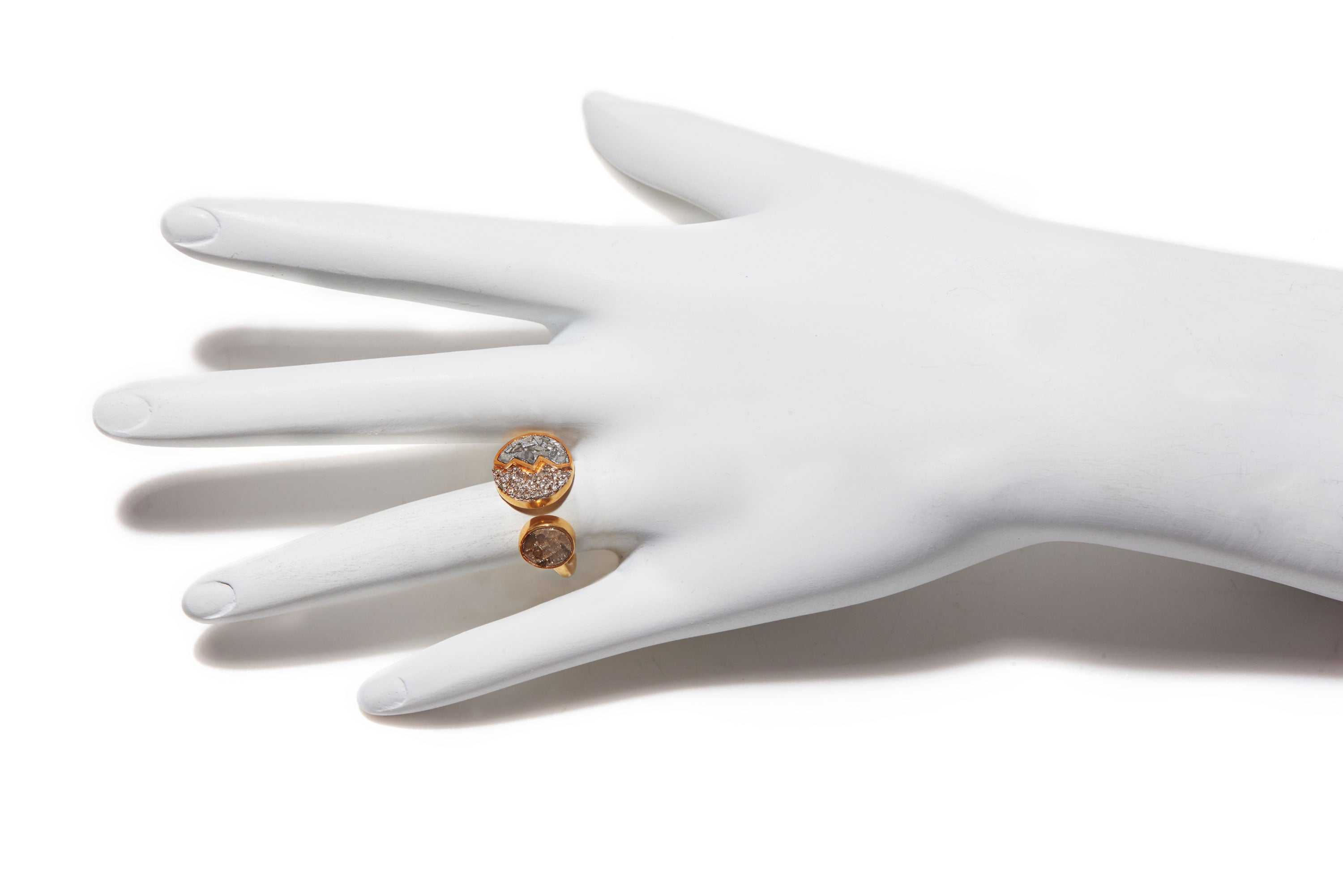art deco round diamond shape gold ring on mannequin