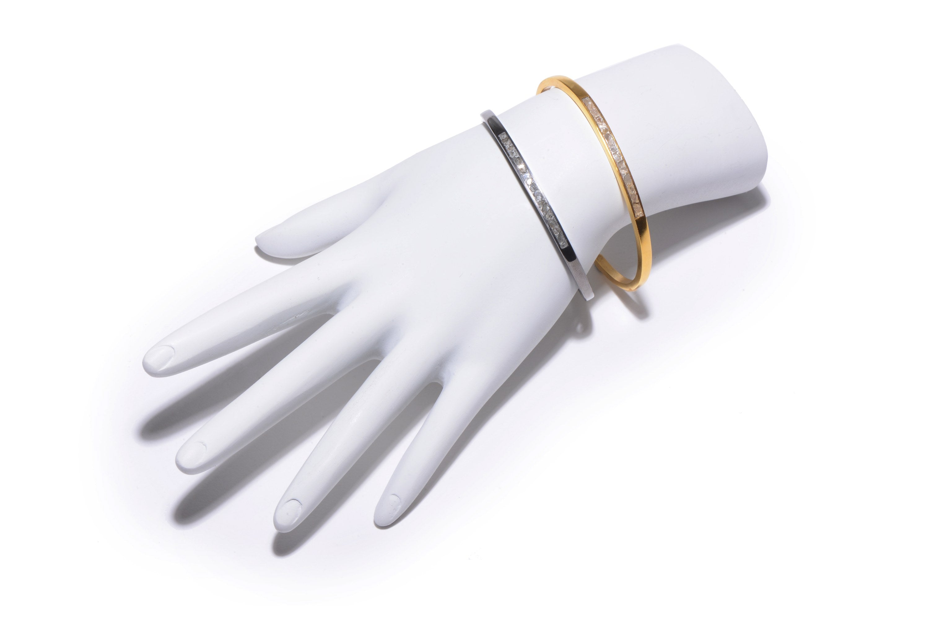 diamond 18k gold bangle on mannequin