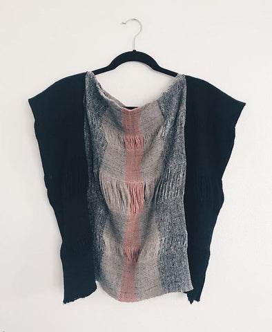 This is such a glorious woven top by Andrea Carpenter, using black alpaca yarn from my shop ~ @thewinterphoenix