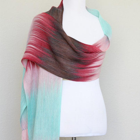 I'm loving Kate's collection of hand-dyed warps ~ @kasi4ka