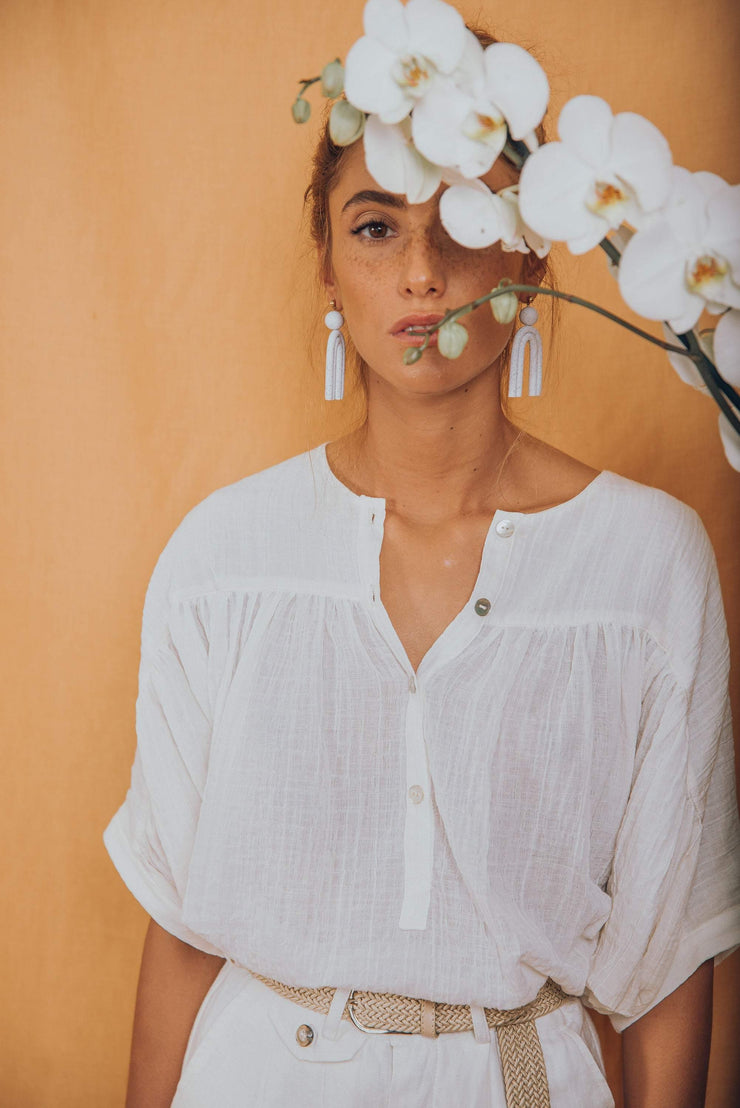 JANIS blouse in white - blueanemone