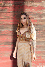 Load image into Gallery viewer, Golden Paisley Jasmine Set