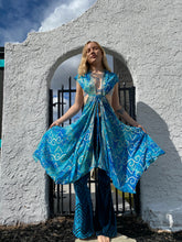 Load image into Gallery viewer, Water Goddess Magic Cape