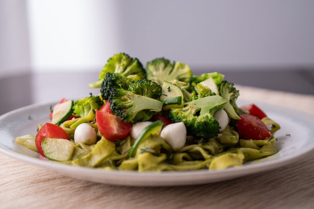Handmade Fettuccine with Vegetables and Avocado Sauce