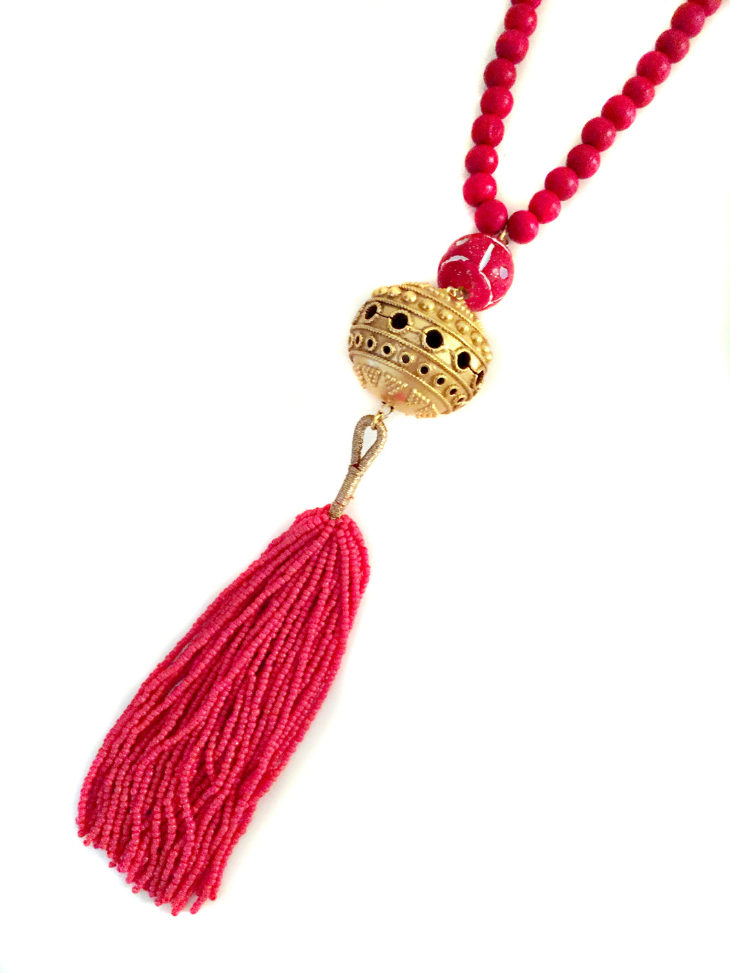 Dia Necklace in Red