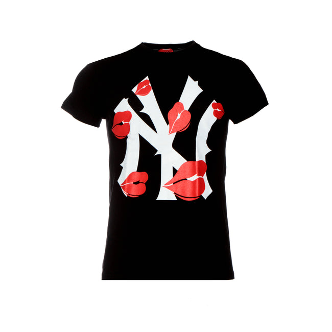 New York Is Kissing Me T-Shirt