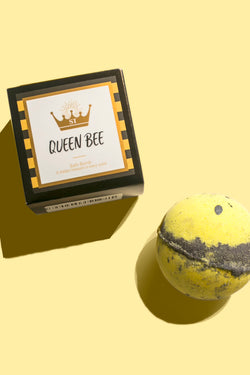 Queen Bee Ring Bath Bomb