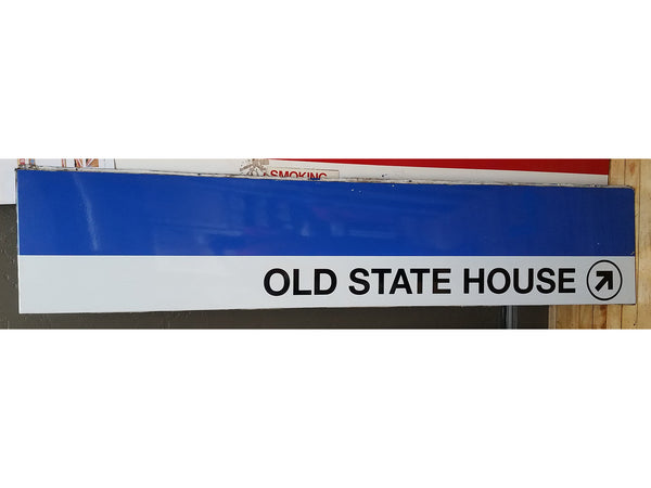 "Blue Line ""Old State House To Right"" Sign from State Station"