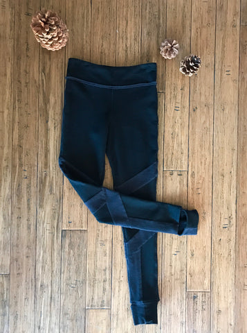 Black Legging with Wrapping leg seam detail