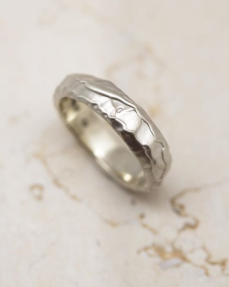 Molten Wedding Band - Matte White Gold
